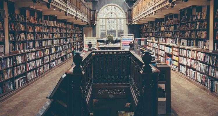 Fotografia de uma livraria